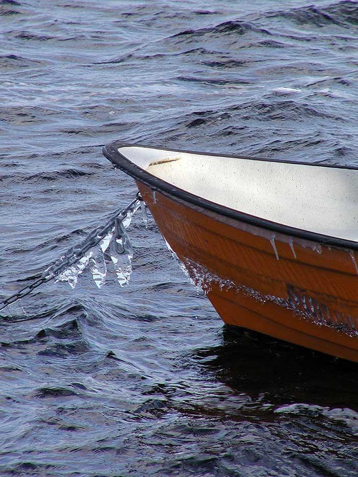 291 150204 Lennart Torstensson: Båt på Hindsen Värnamo