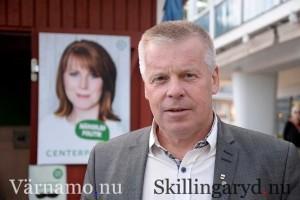 – Nu ska vi bara invänta Tekniska nämndens utredning innan den nya tävlingsbanan kan börja byggas, säger kommunalrådet Hans-Göran Johansson (C)