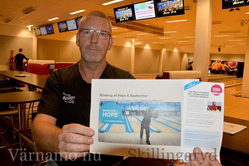 Bengt Lindström uppmanar så många som möjligt att stödja Bowling of Hope.